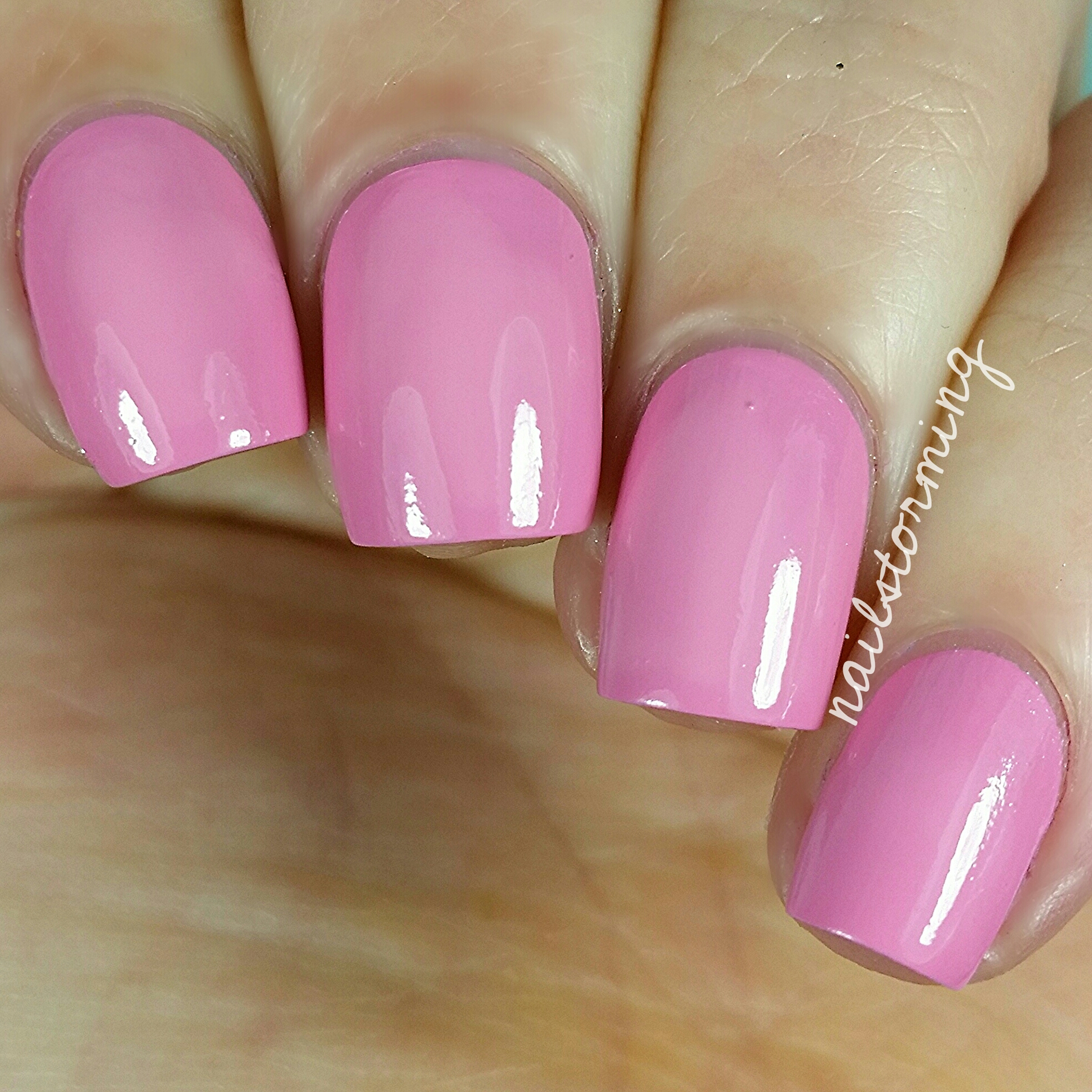 Tuesday In Love – Nailstorming